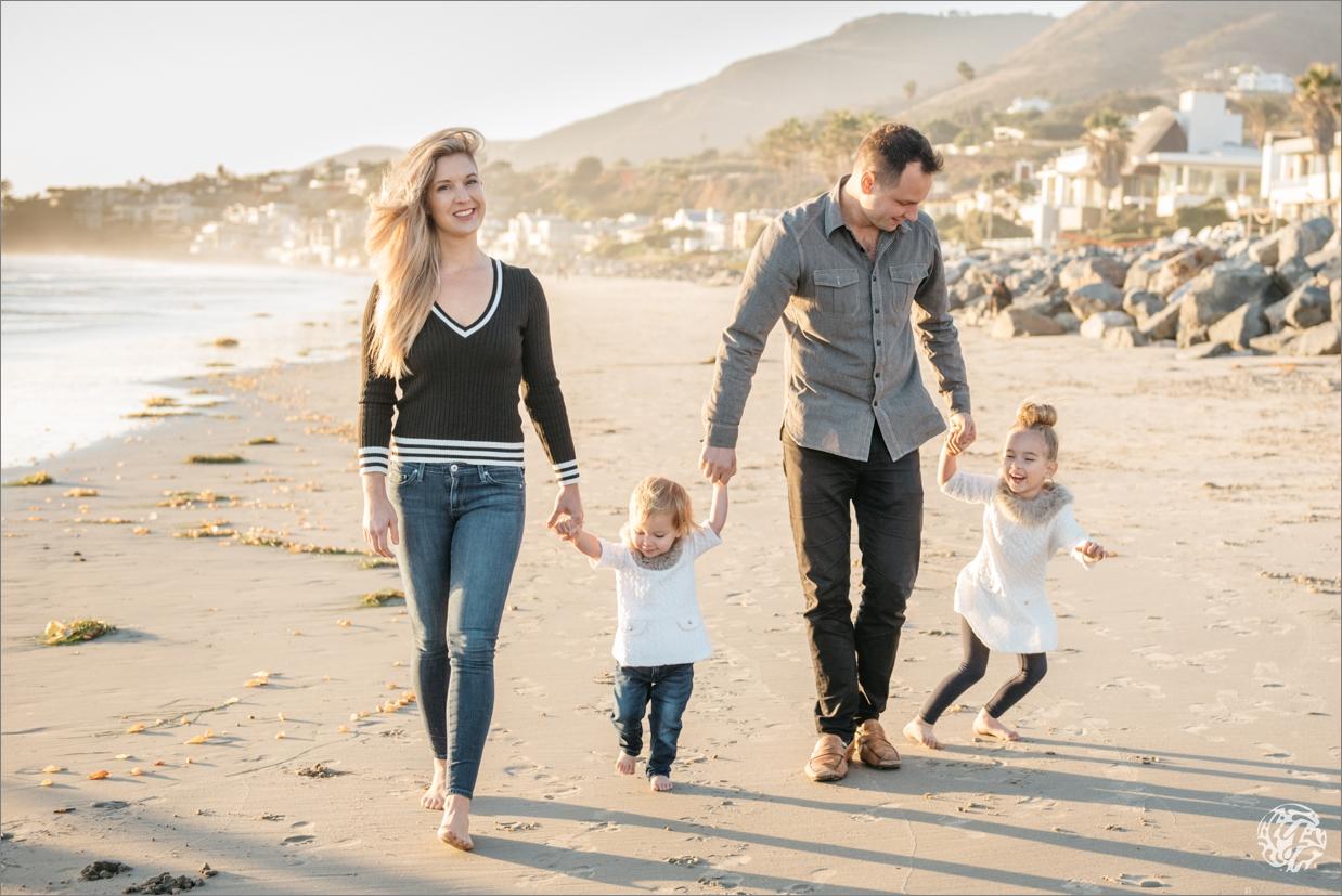 Yana's Photos - Los Angeles Family Beach Photographer .jpg