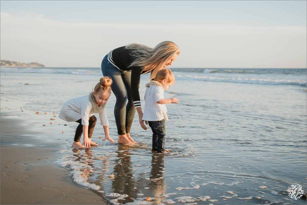 Mother with daughters at the beach - Malibu Beach Photographer.jpg