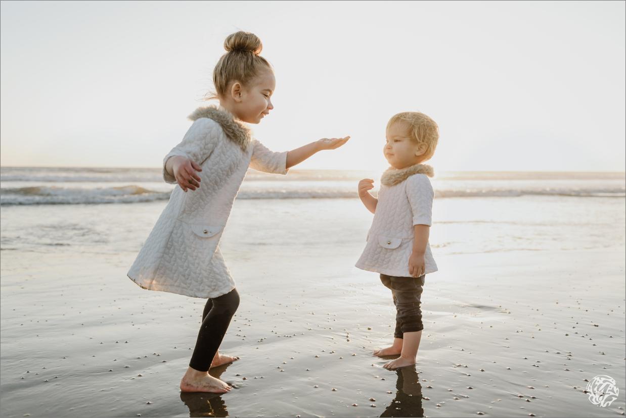 Sisters on the beach - Yana's Photos - Malibu Beach Photographer.jpg