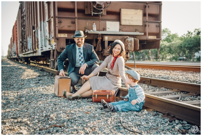 Bonnie & Clyde Inspired Photo Session - Yana's Photos - Dallas and Los Angeles Portrait Photographer_3966.jpg