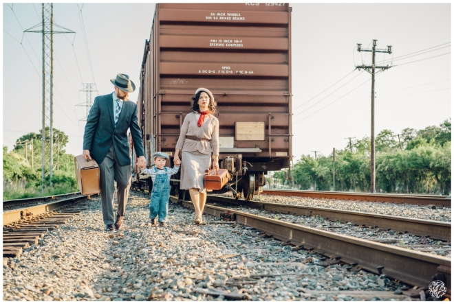 Bonnie & Clyde Inspired Photo Session - Yana's Photos - Dallas and Los Angeles Portrait Photographer_4010.jpg